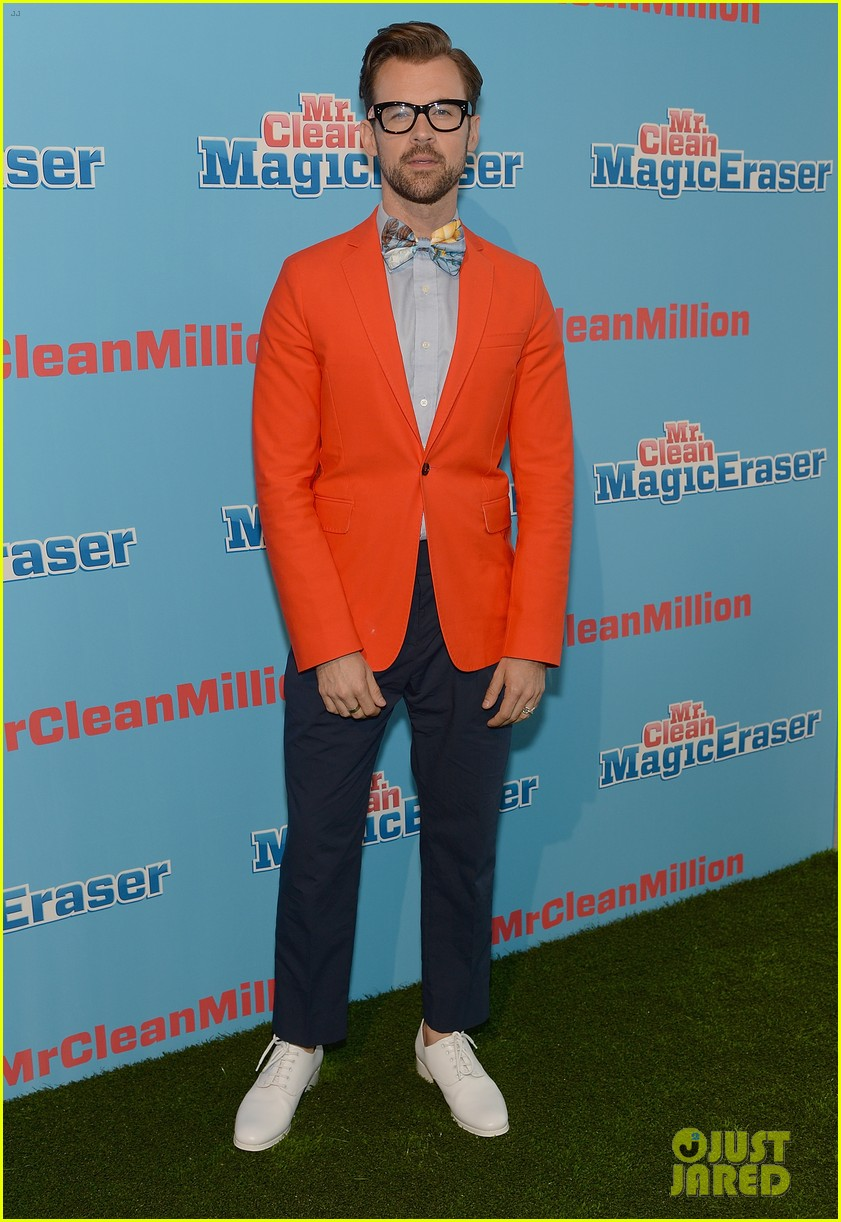jordana brewster supports brad goreski at the mr clean summer fashion party 083148245