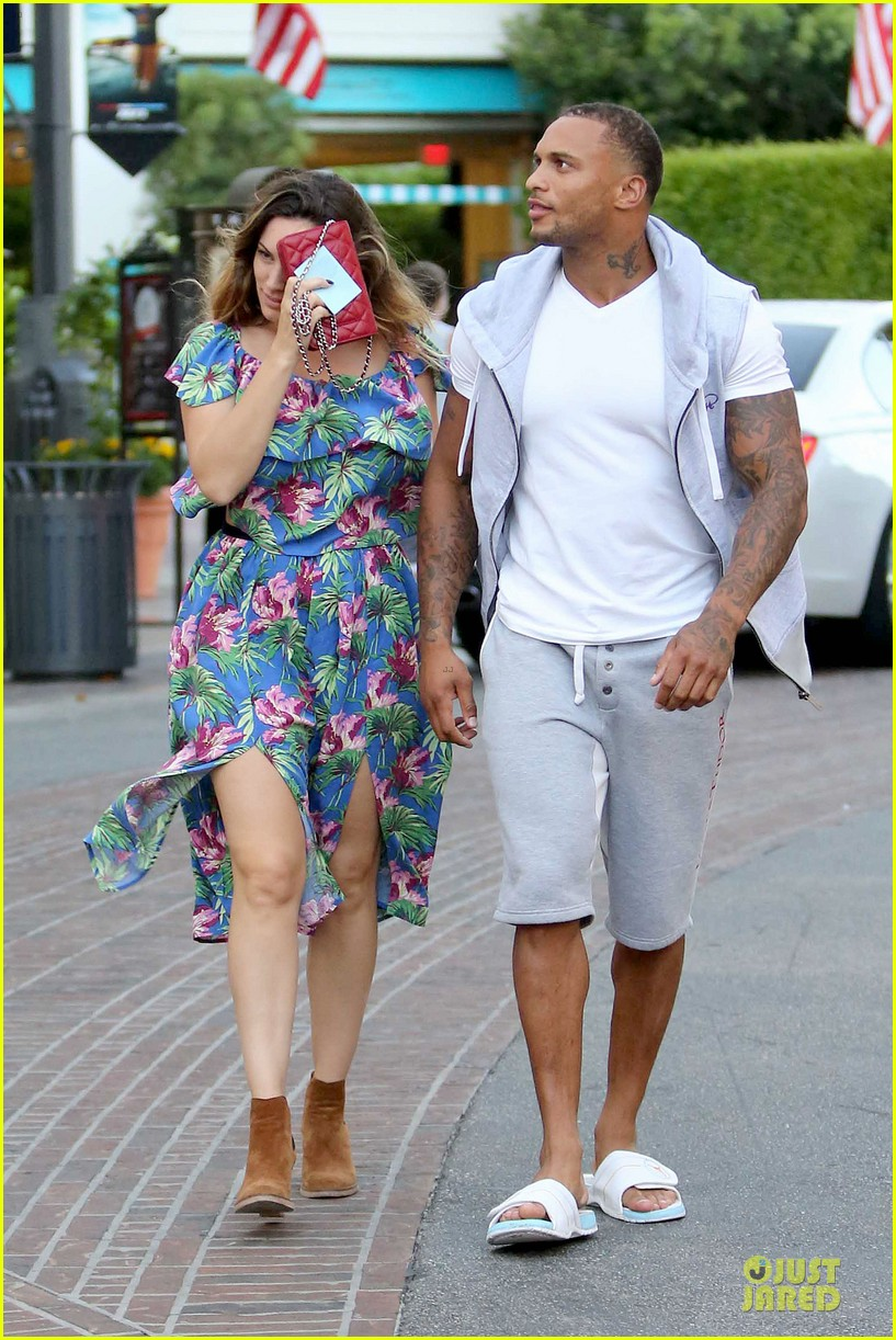 kelly brook fiance david mcintosh isnt after one night stands 093147475