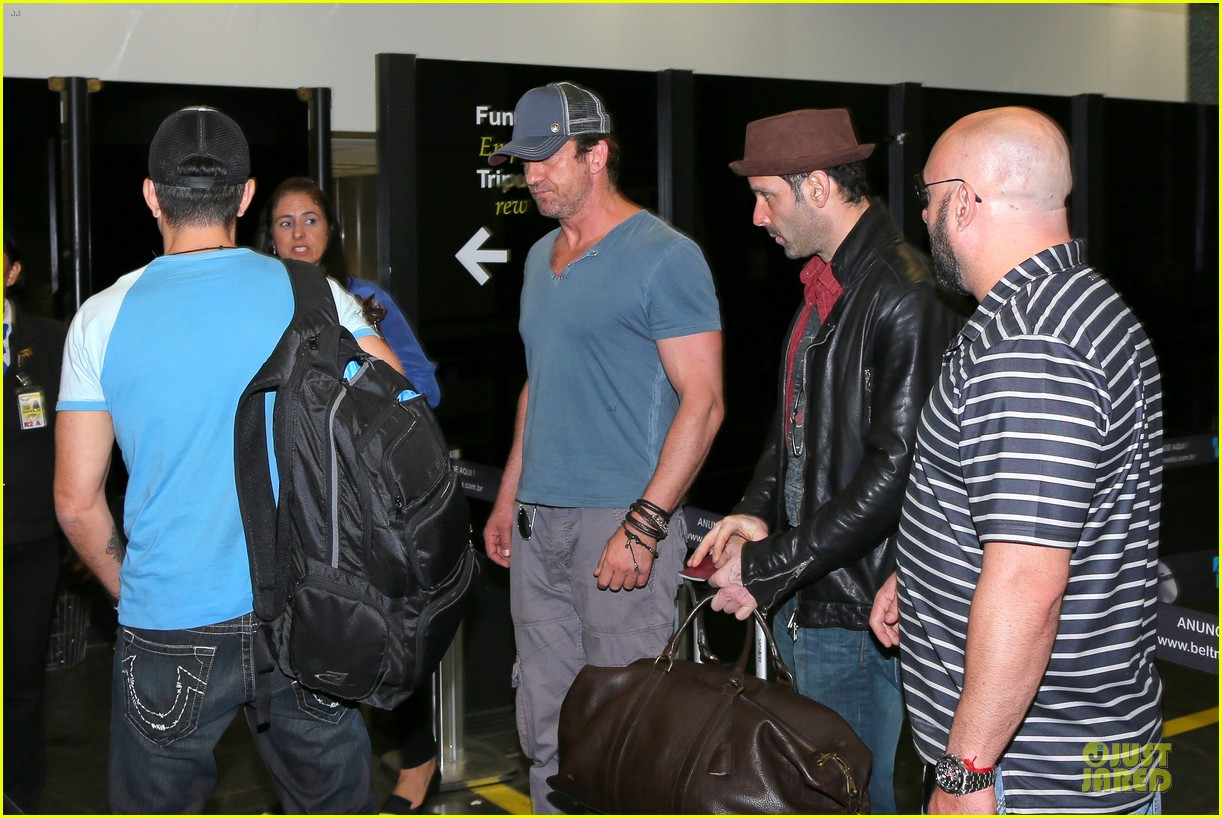 gerard butler jet to belo horizonte for fifa world cup 043151805