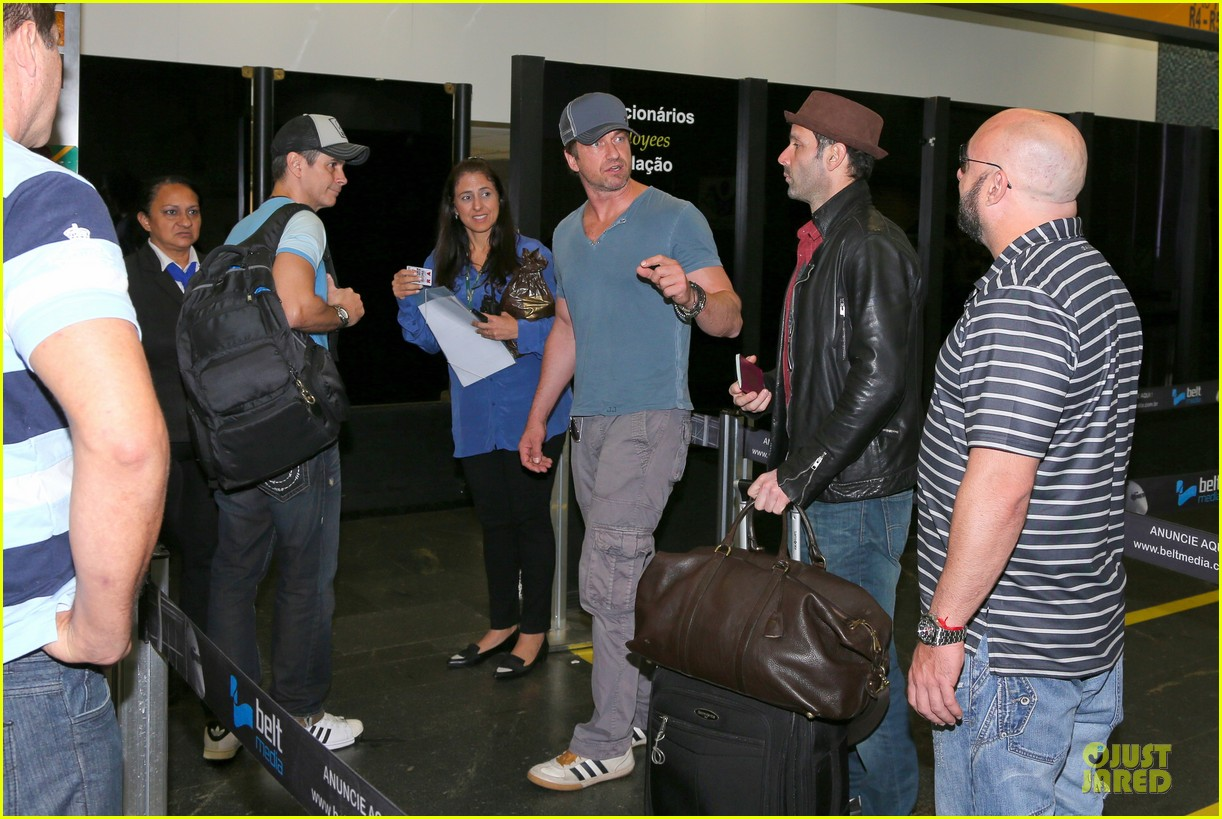 gerard butler jet to belo horizonte for fifa world cup 073151808