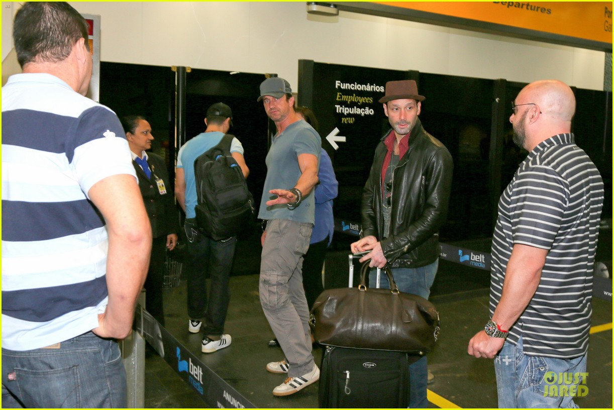 gerard butler jet to belo horizonte for fifa world cup 093151810