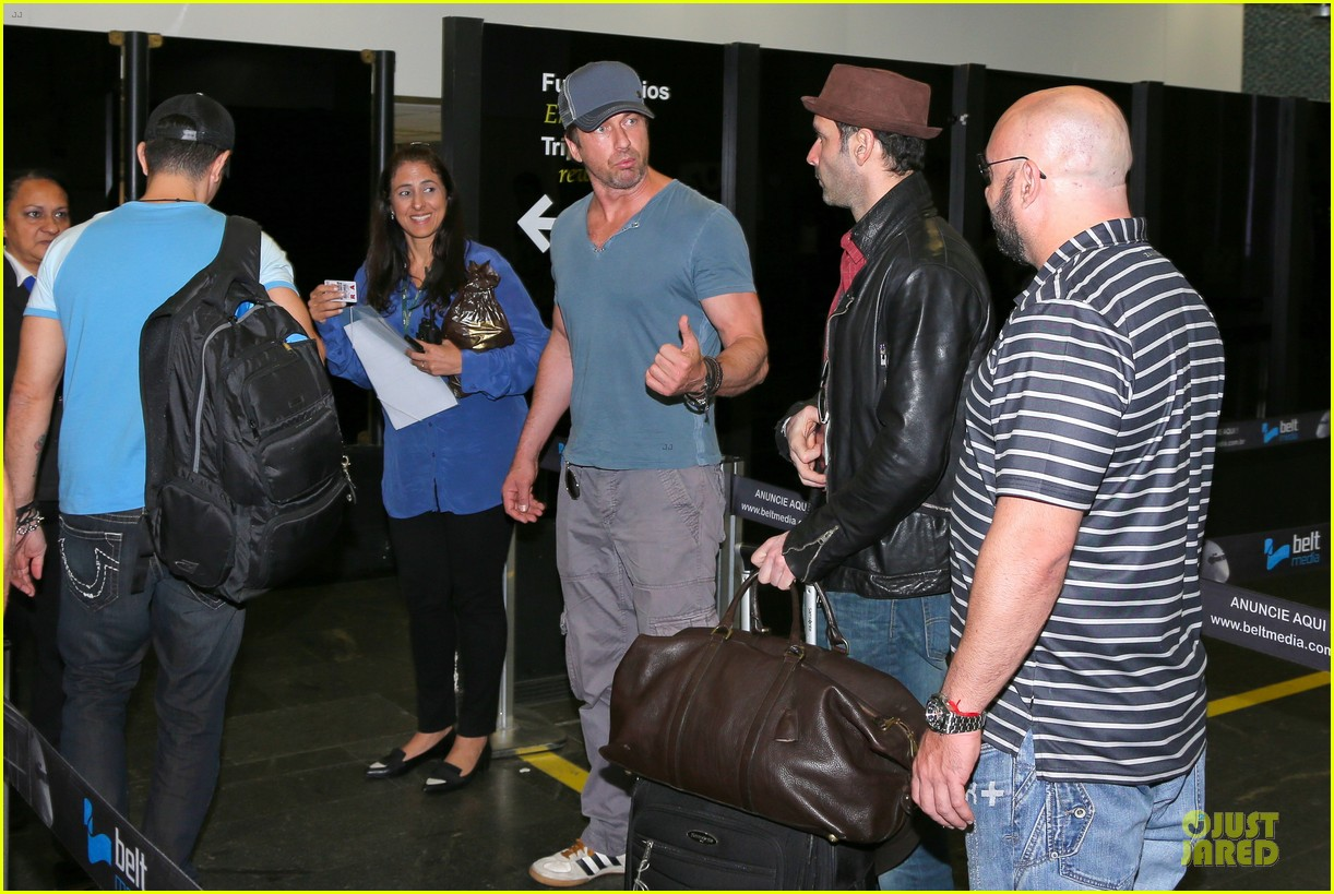 gerard butler jet to belo horizonte for fifa world cup 133151814