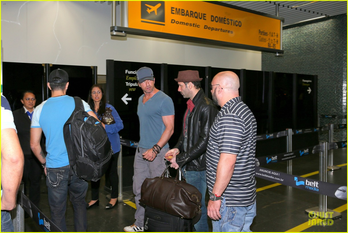 gerard butler jet to belo horizonte for fifa world cup 143151815