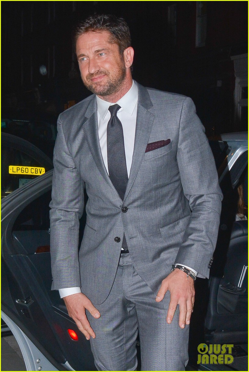 gerard butler named new face of hugo boss fragrance 023158617