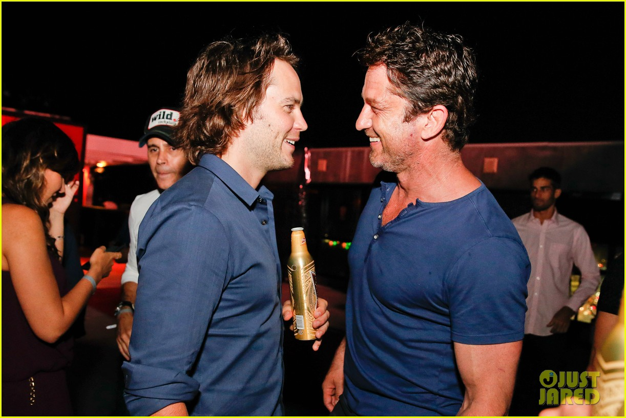 gerard butler taylor kitsch hang out in brazil 063151746