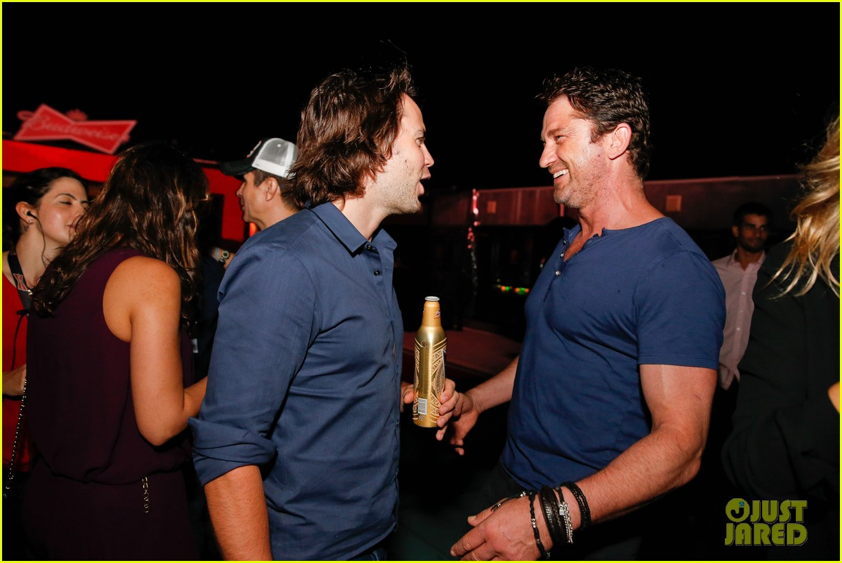 gerard butler taylor kitsch hang out in brazil 093151749