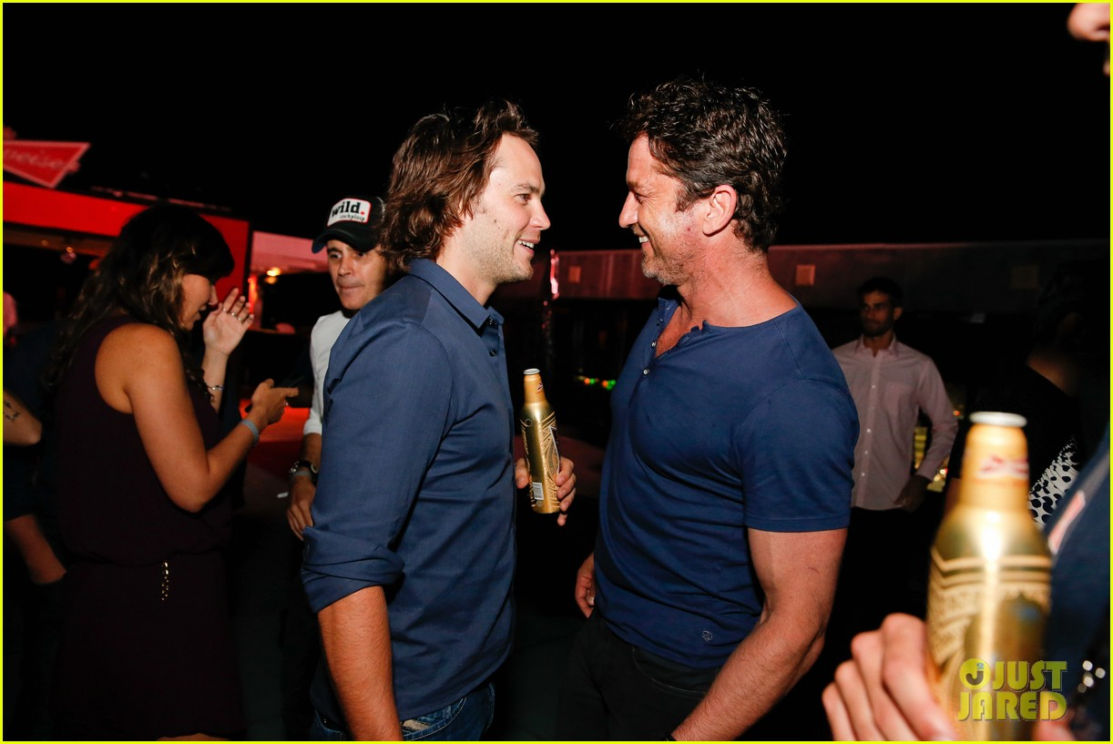 gerard butler taylor kitsch hang out in brazil 103151750