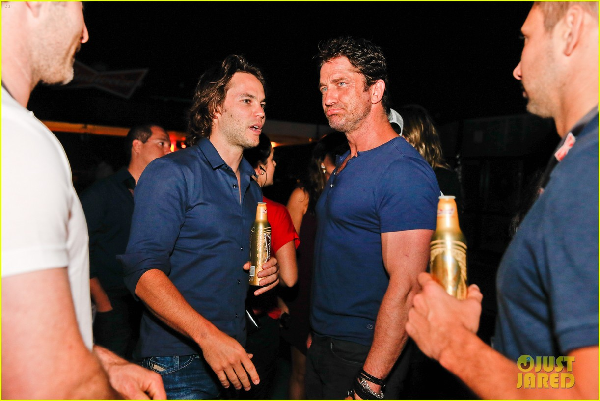 gerard butler taylor kitsch hang out in brazil 123151752