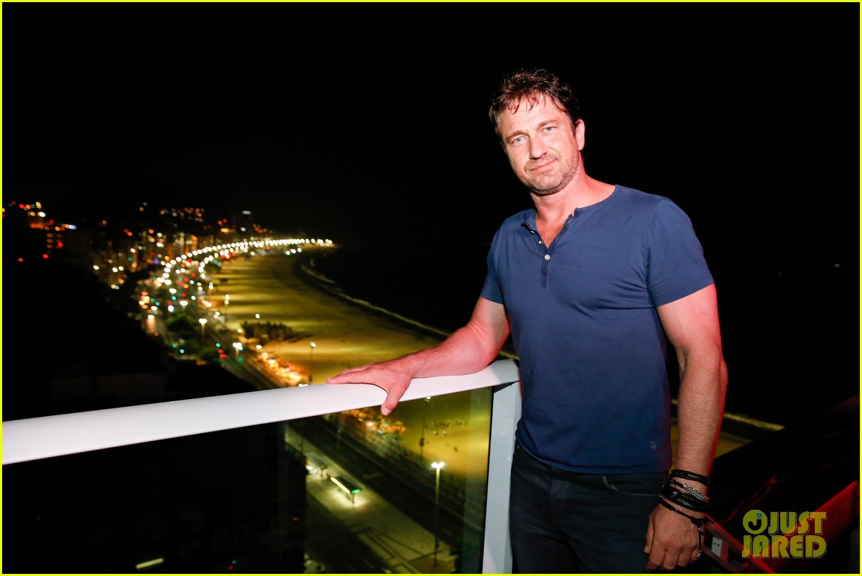 gerard butler taylor kitsch hang out in brazil 203151760