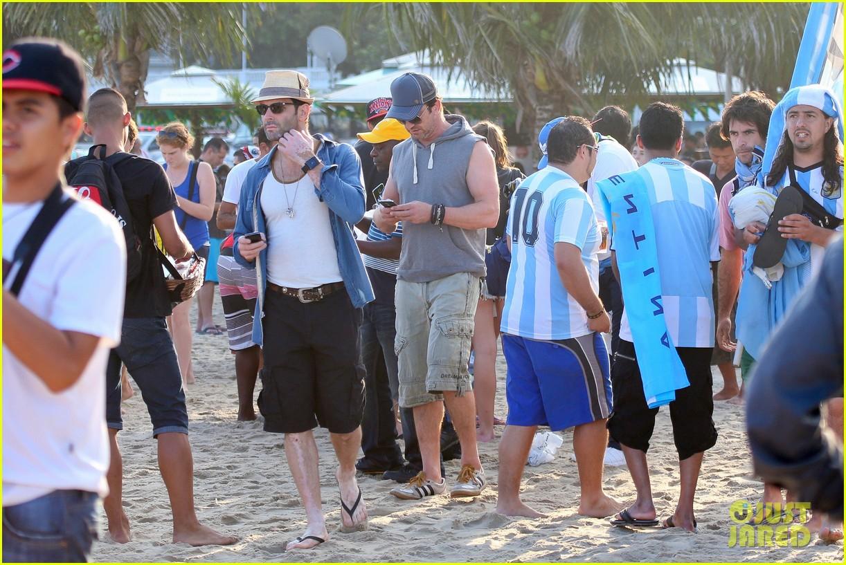 gerard butler beach sleeveless shirt brazil 143152513