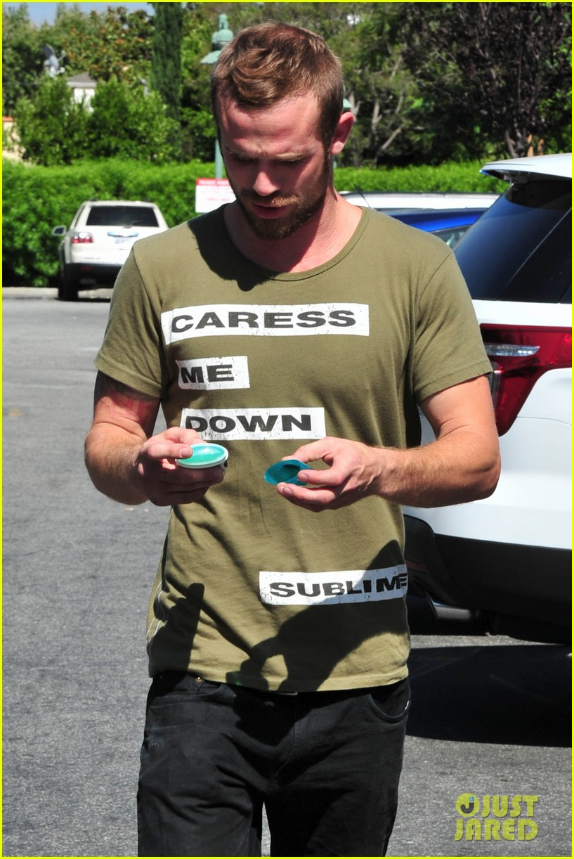 cam gigandet steps out after making controversial comments about oc 073153672