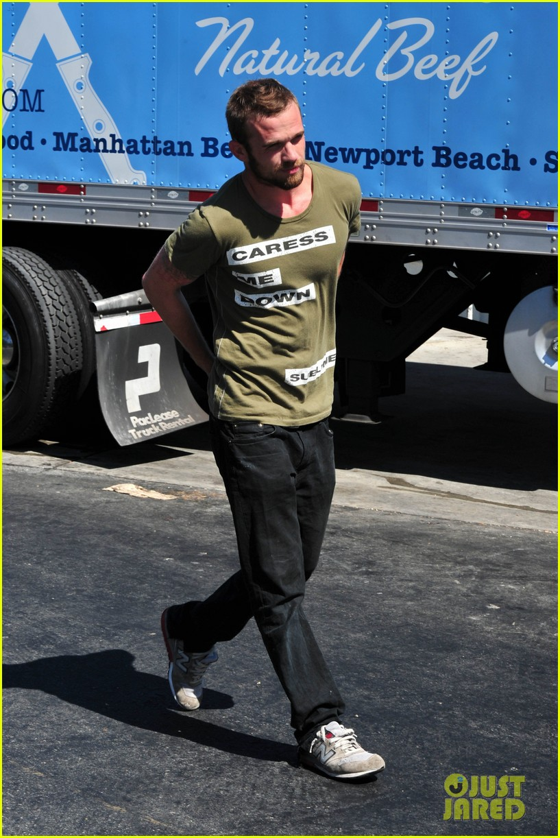 cam gigandet steps out after making controversial comments about oc 233153688