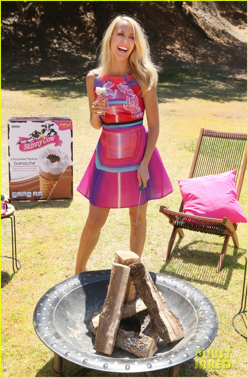anna camp glamping brittany snow vegas 023152371