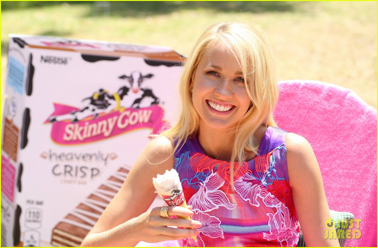 anna camp glamping brittany snow vegas 043152373
