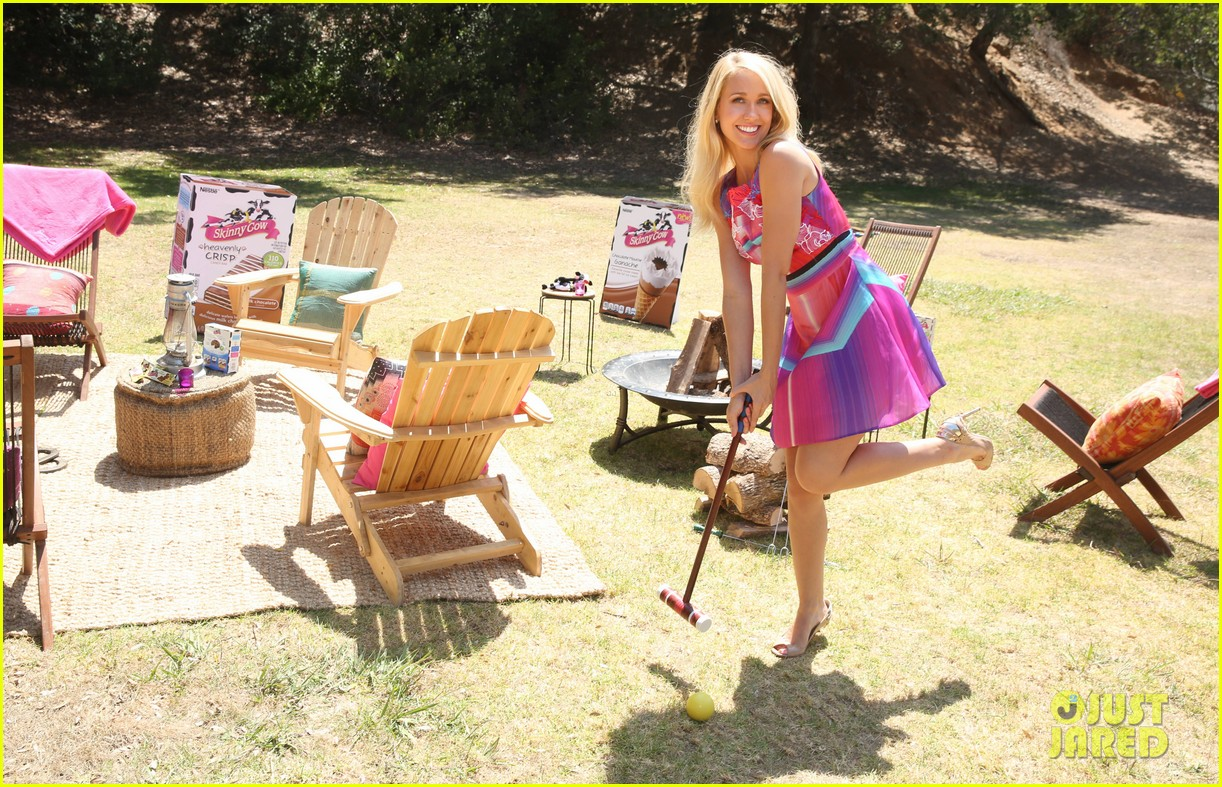 anna camp glamping brittany snow vegas 083152377