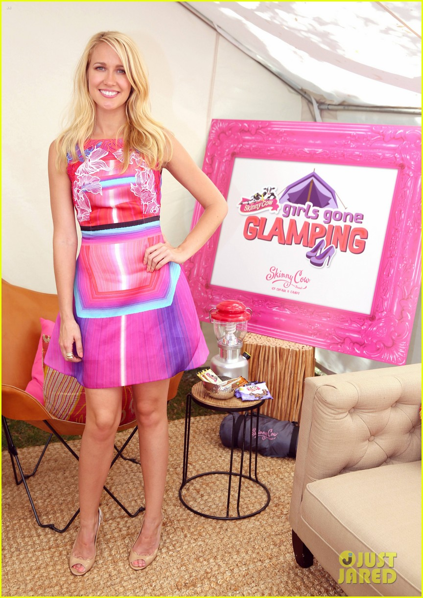 anna camp glamping brittany snow vegas 153152384