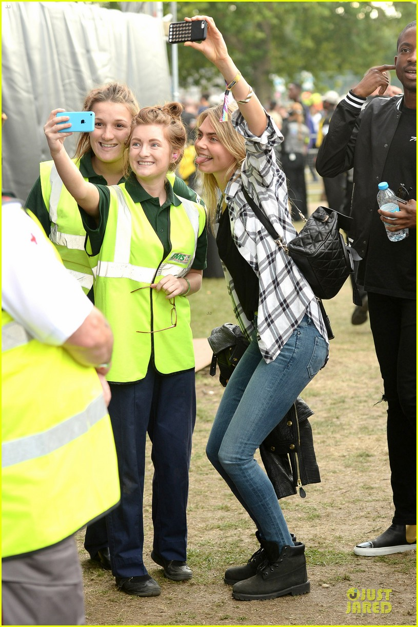 cara delevingne is so proud of ellie goulding at wireless festival 033151281