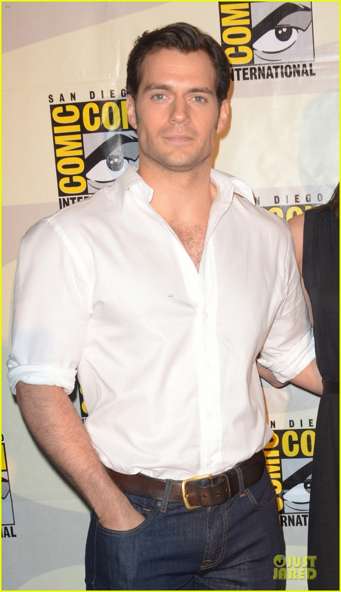 henry cavill ben affleck surprise comic con appearance 043164478