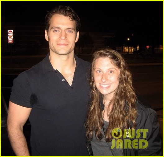 henry cavill spotted in detroit on break from superman 02