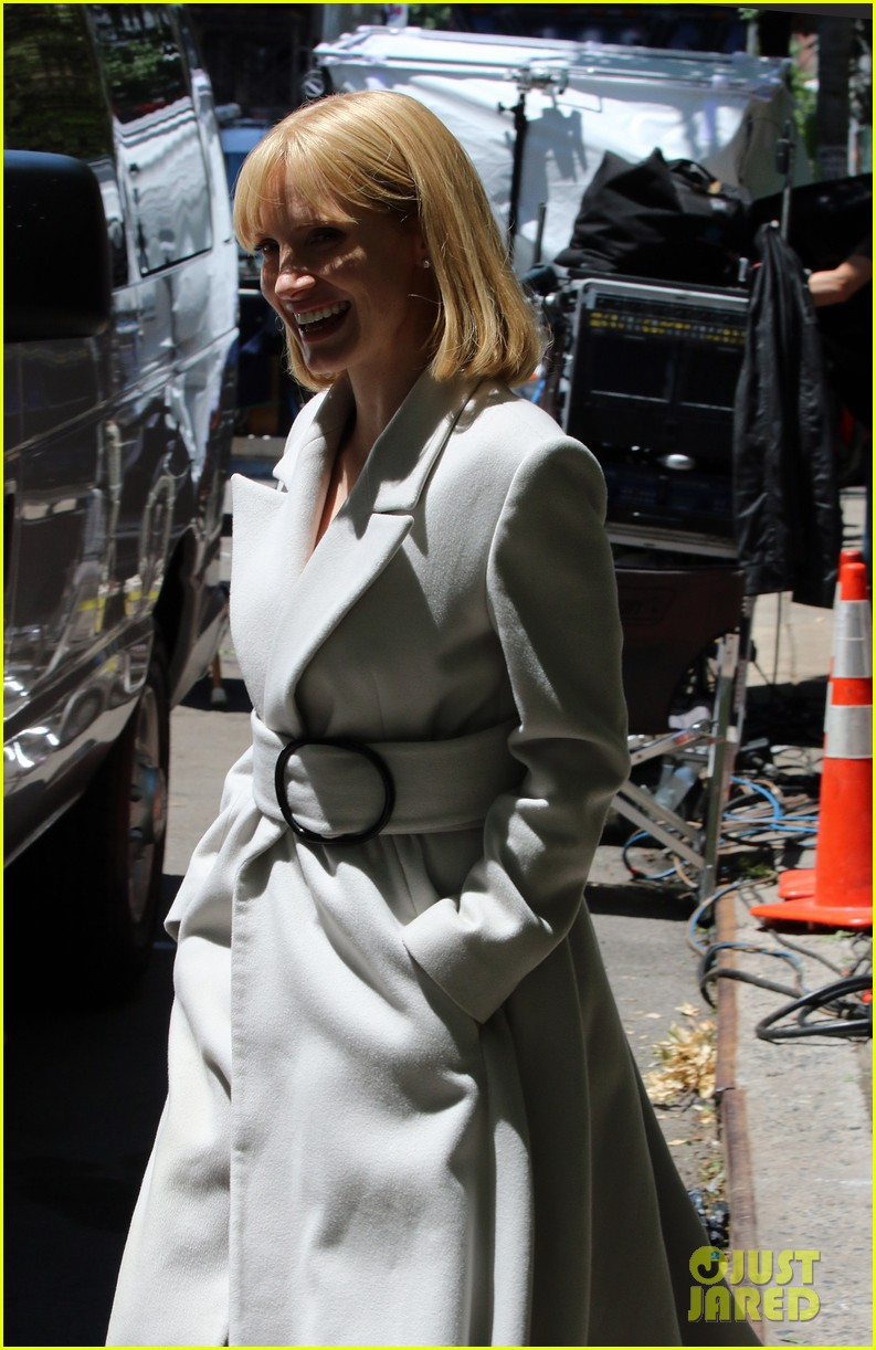 jessica chastain gets into character for a most violent year 043152474
