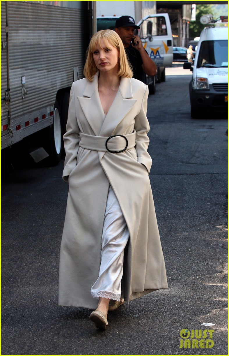 jessica chastain gets into character for a most violent year 083152478