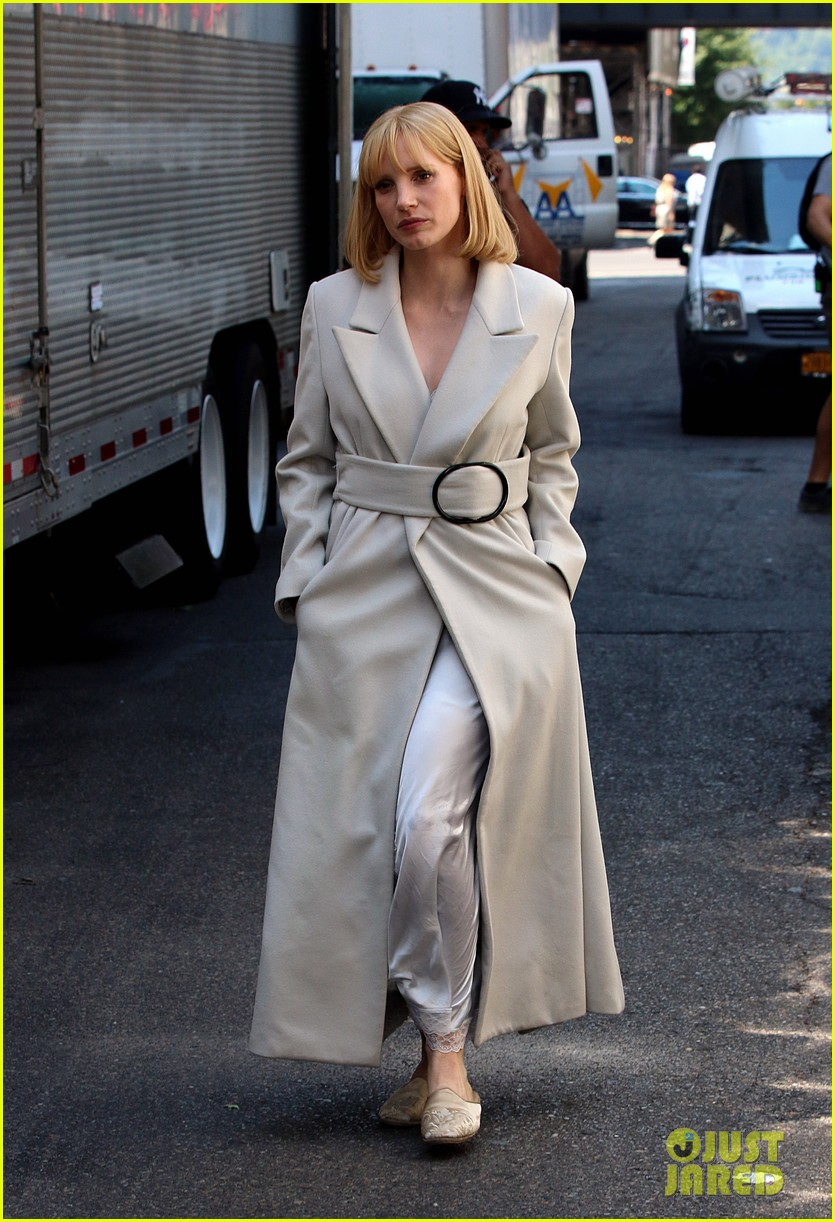 jessica chastain gets into character for a most violent year 093152479