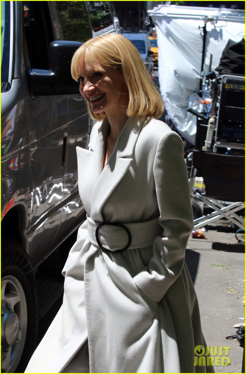 jessica chastain gets into character for a most violent year 113152481