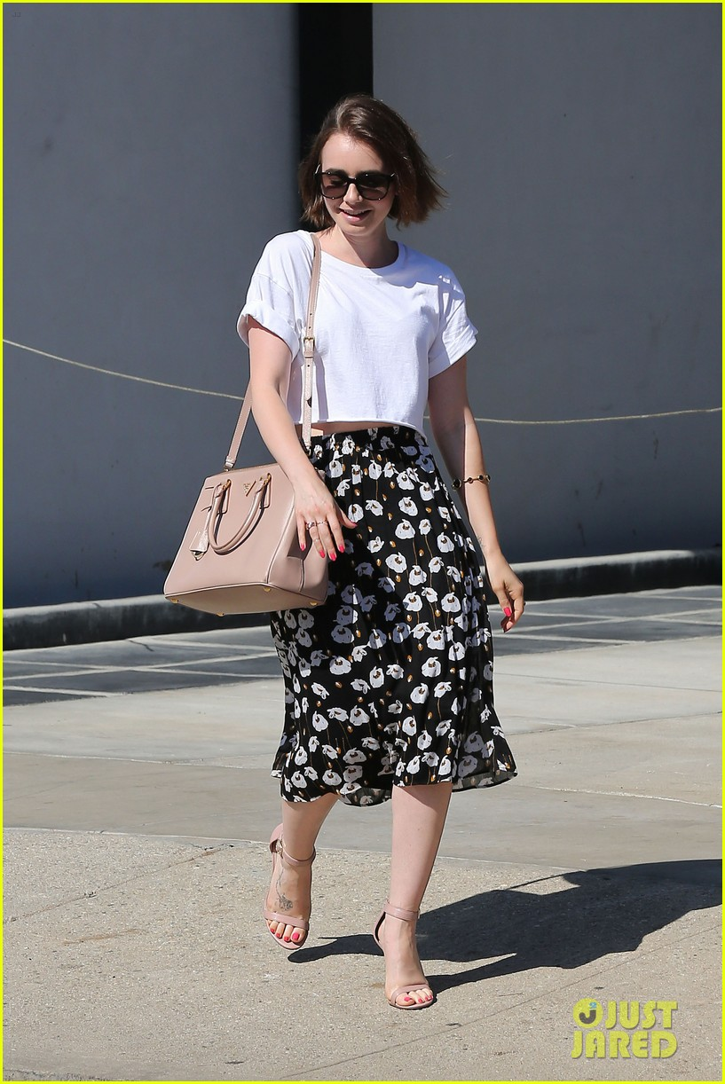 lily collins salon stop before holiday 033149237