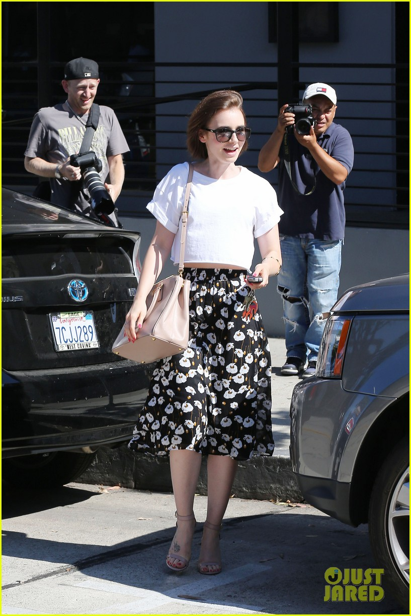 lily collins salon stop before holiday 113149245