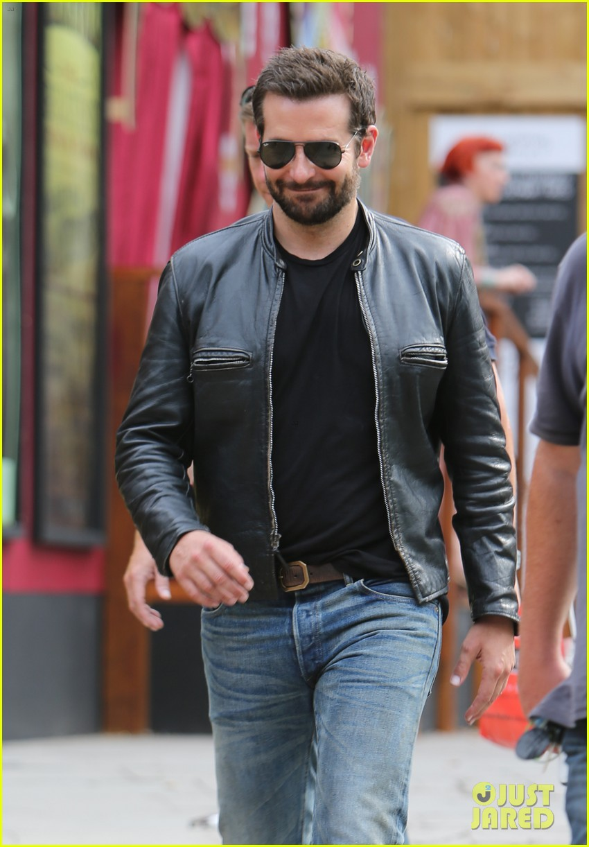 bradley cooper flipped burgers at burger king this week 163168235