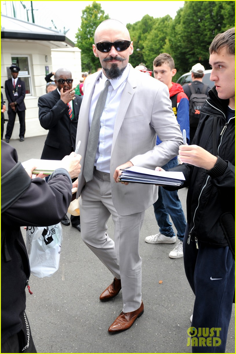 bradley cooper hugh jackman wimbledon mens finals 07