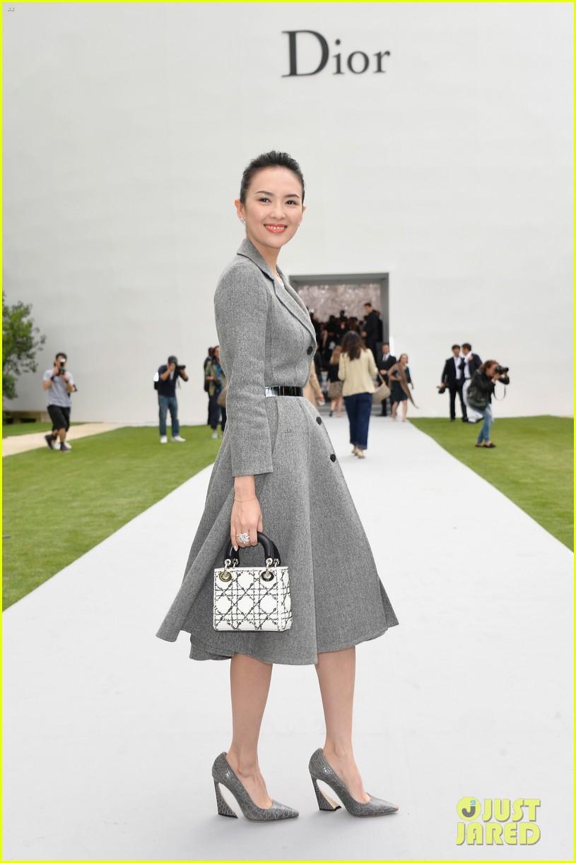 marion cotillard ziyi zhang christian dior fashion show 053150960