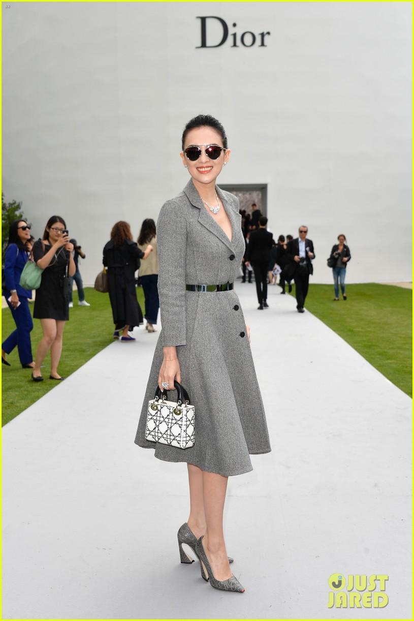 marion cotillard ziyi zhang christian dior fashion show 093150964