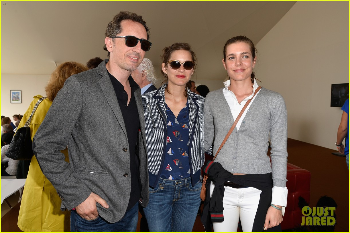 marion cotillard continues to support her horse jumping man 063150368