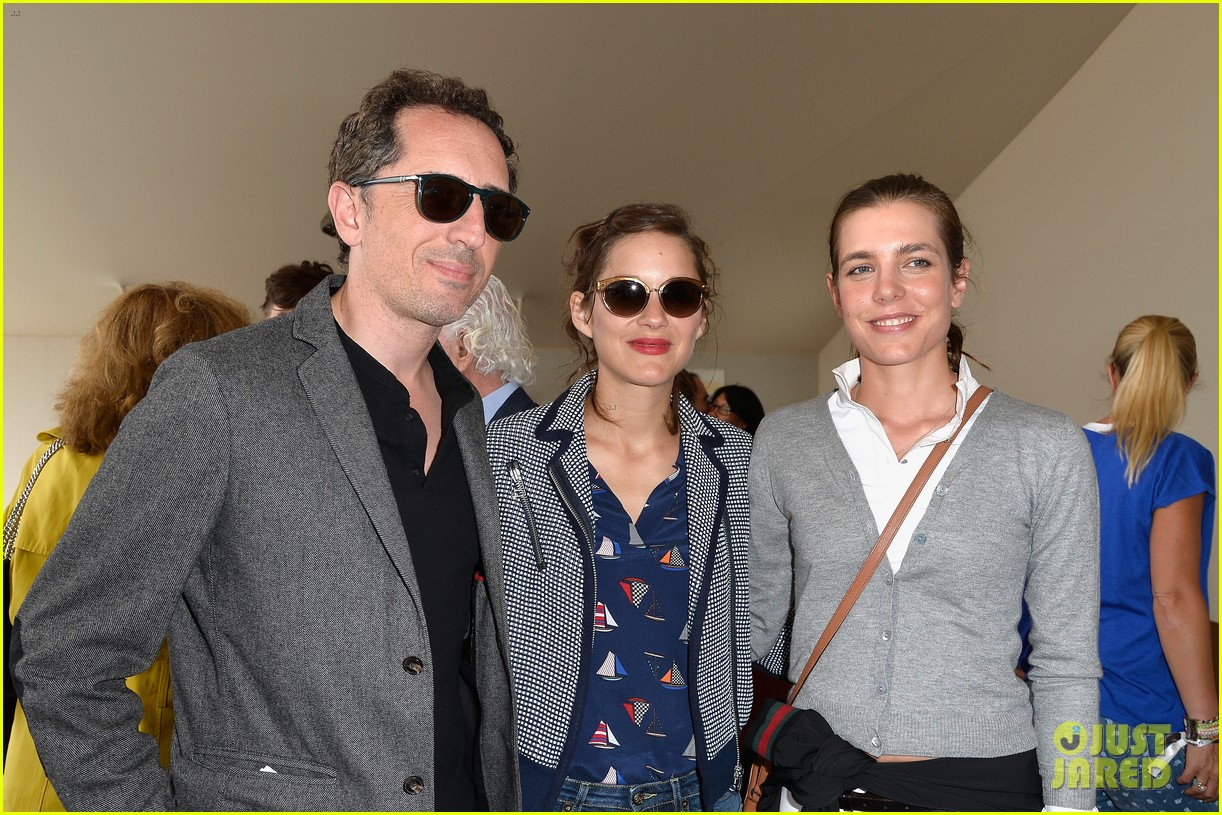marion cotillard continues to support her horse jumping man 073150369
