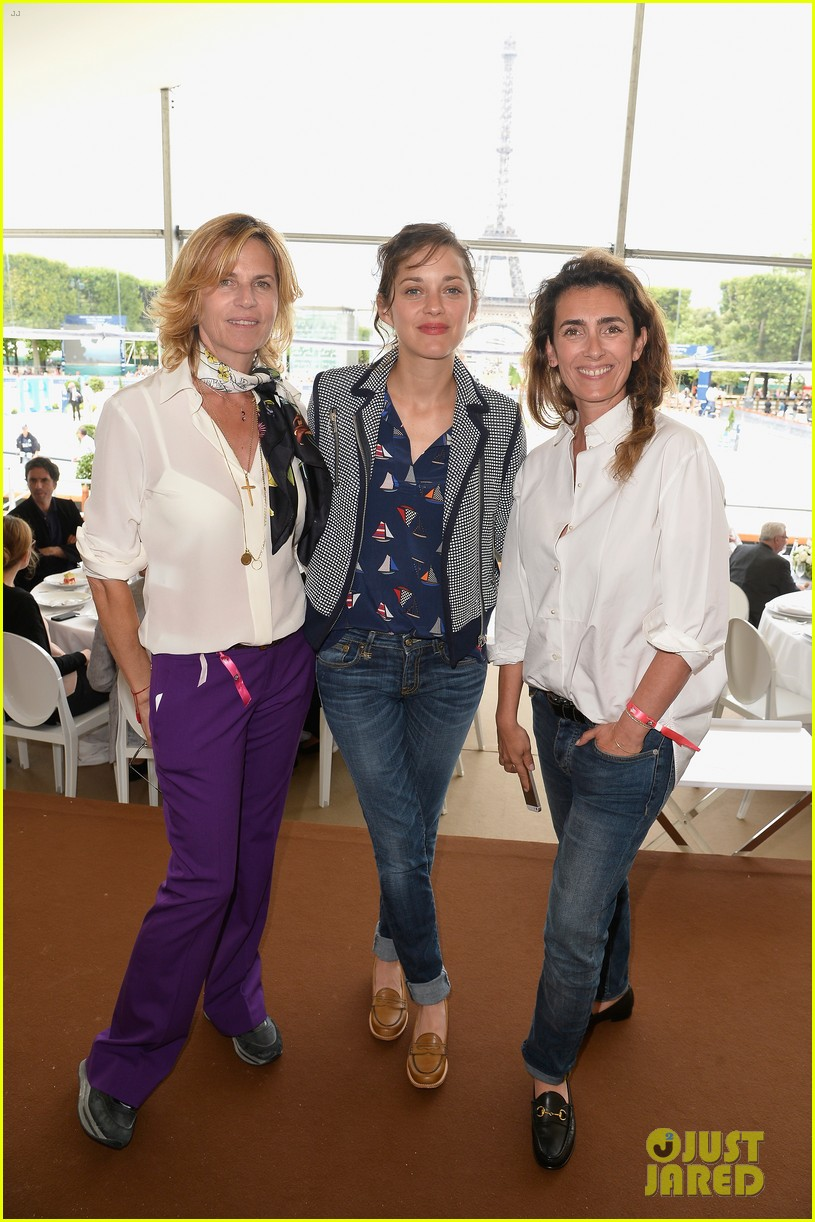 marion cotillard continues to support her horse jumping man 083150370
