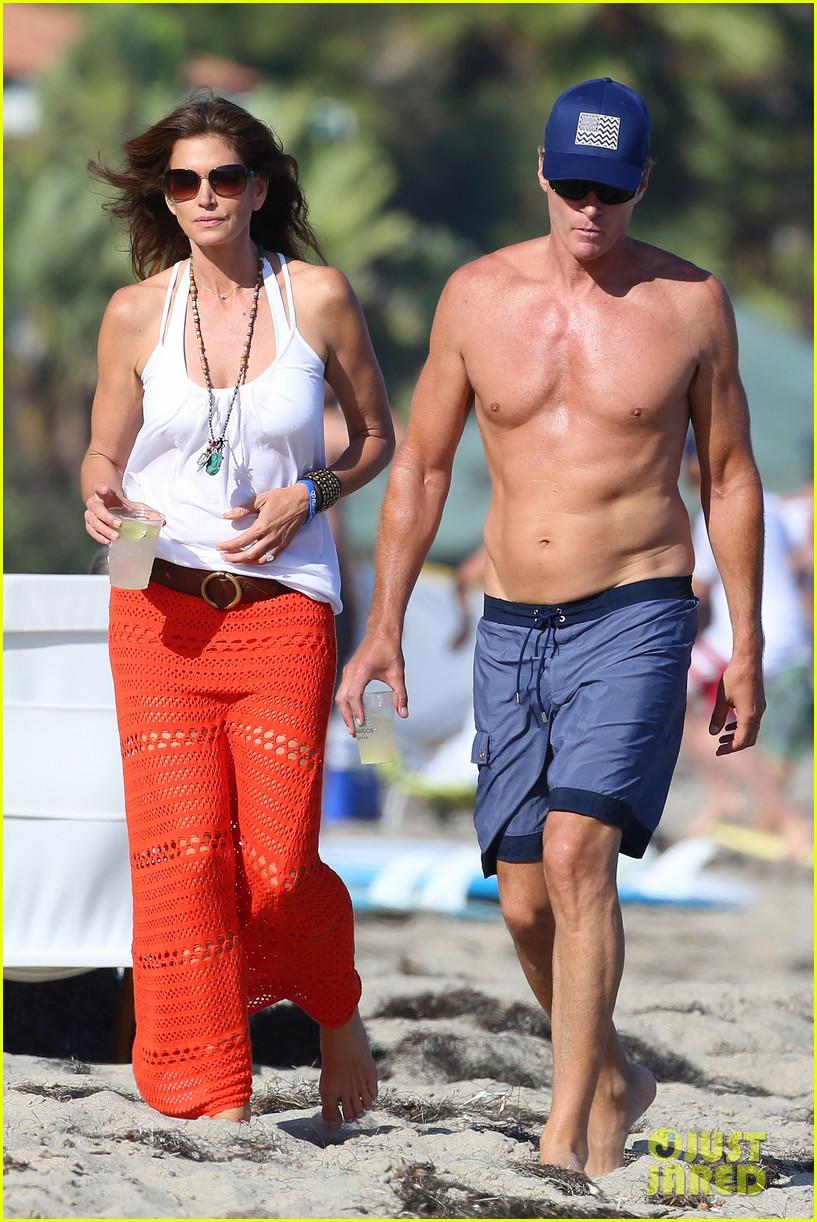 Cindy Crawford Amp Rande Gerber Are A Beautiful Beach Couple