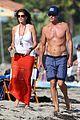 cindy crawford rande gerber beach walk malibu 06