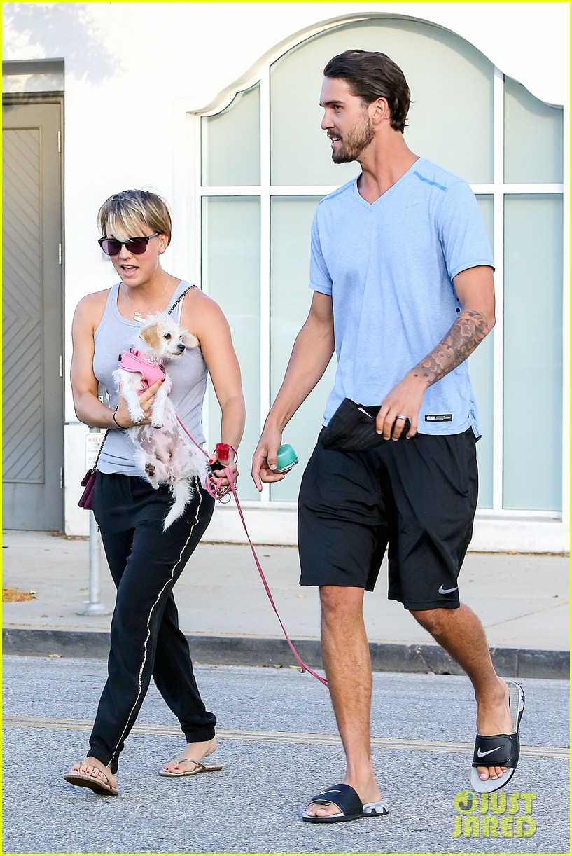 kaley cuoco ryan sweeting are home best trip ever 01