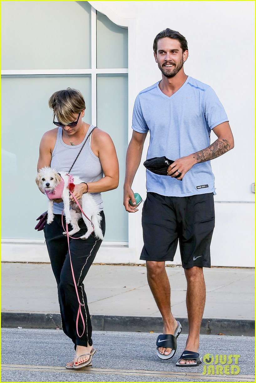 kaley cuoco ryan sweeting are home best trip ever 093153259
