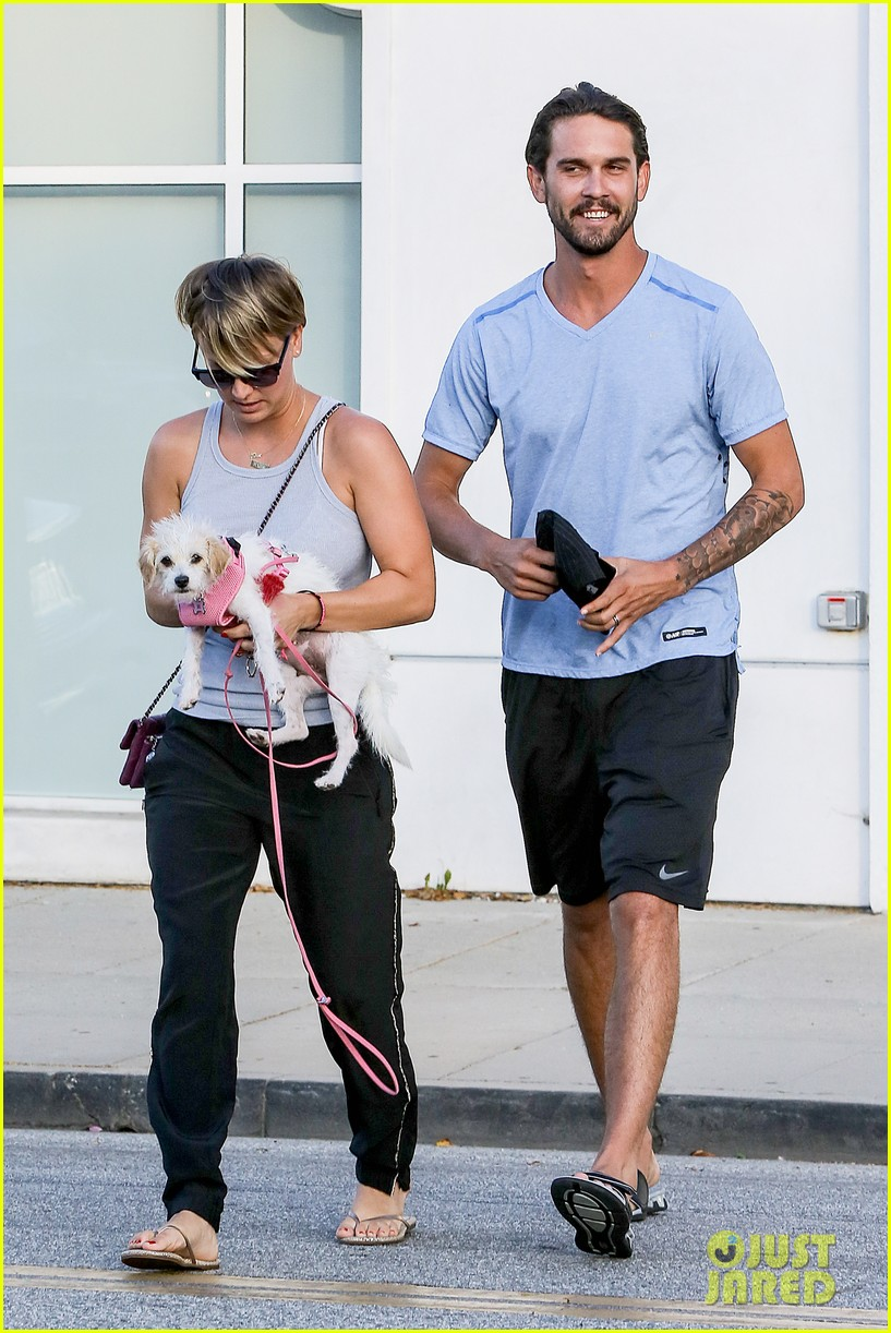 kaley cuoco ryan sweeting are home best trip ever 103153260
