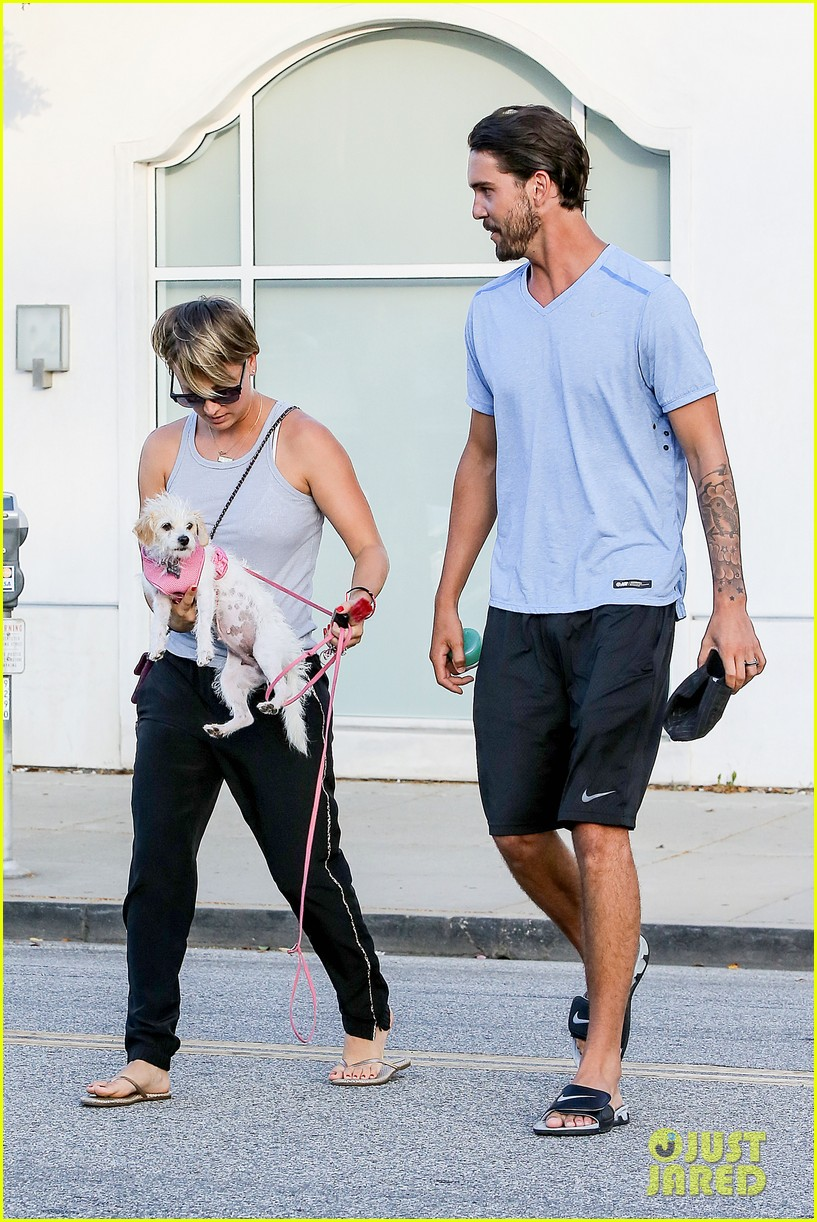 kaley cuoco ryan sweeting are home best trip ever 113153261