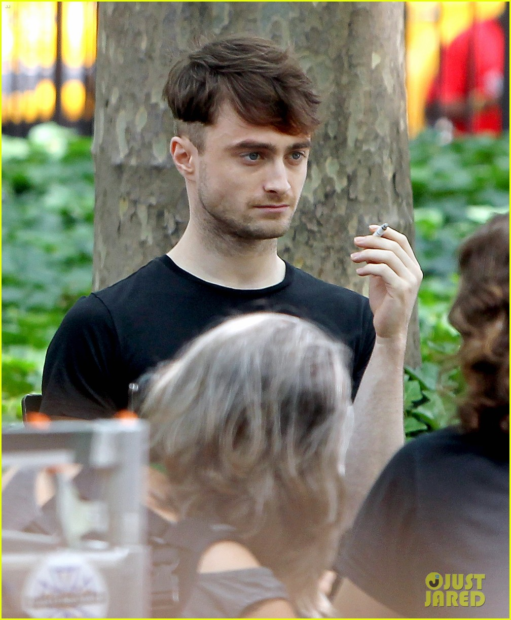 daniel radcliffe dog walker trainwreck nyc set 263147573
