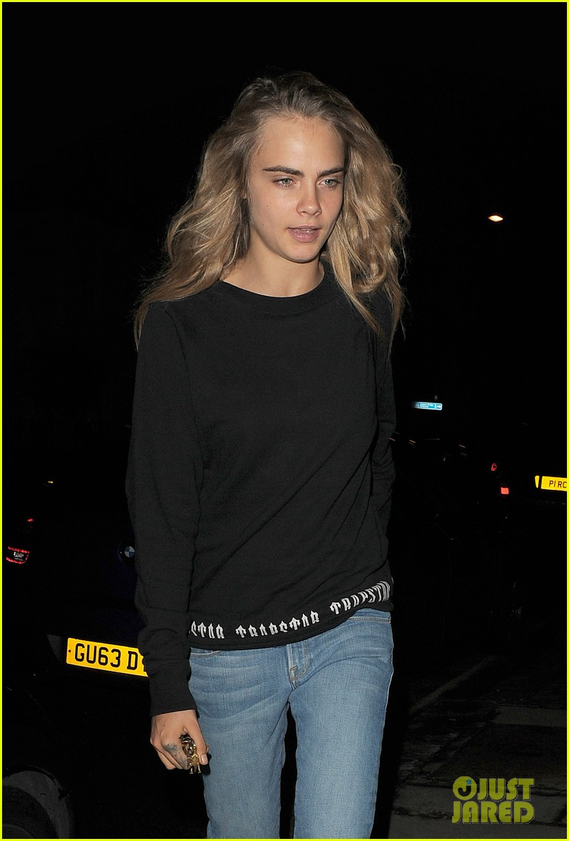 cara delevingne goes on a twitter rant 04