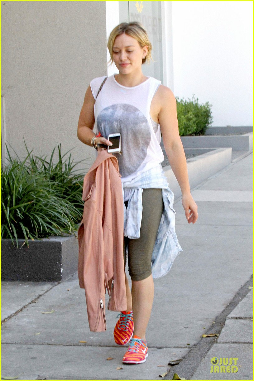 hilary duff separation from mike comrie inspires song 01