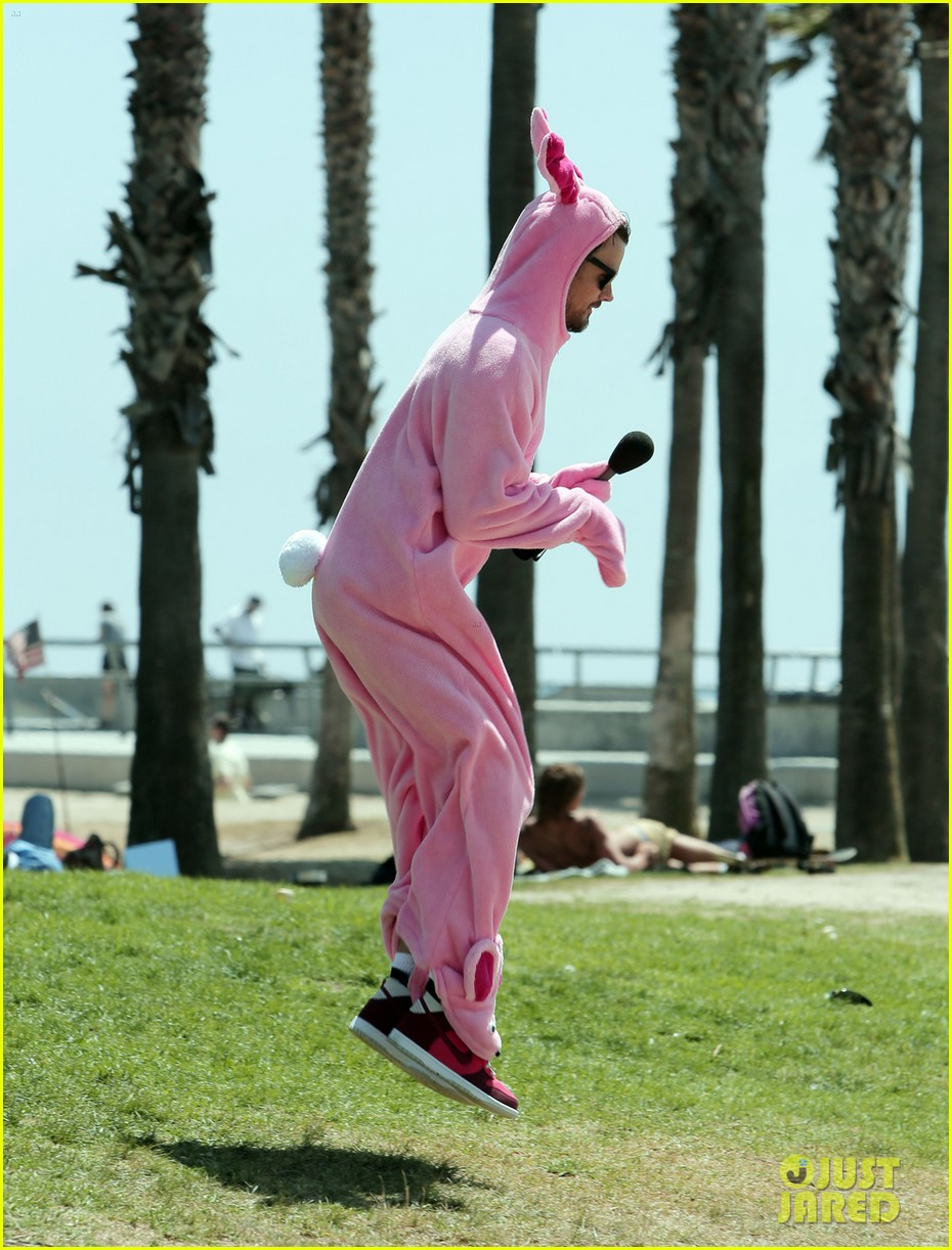 josh duhamel dresses up in giant pink bunny suit 03