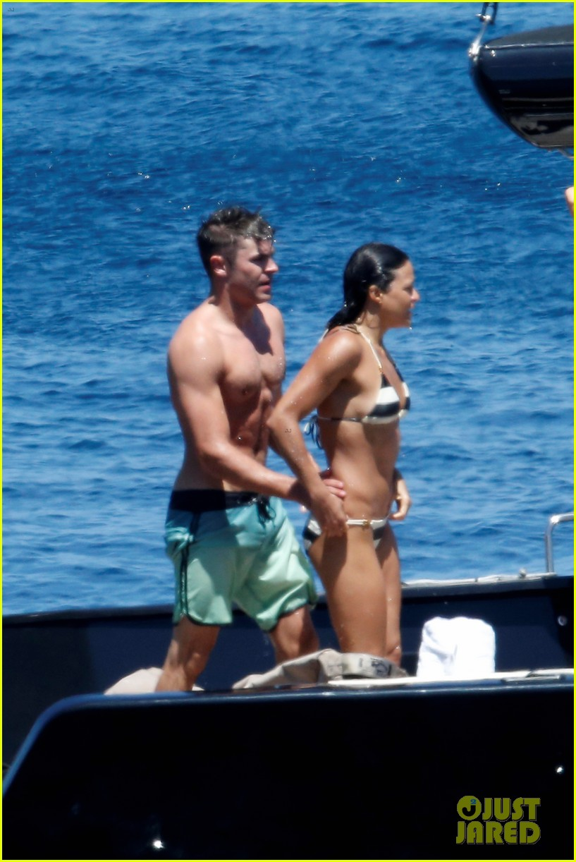 zac efron michelle rodriguez kissing photos 123151164