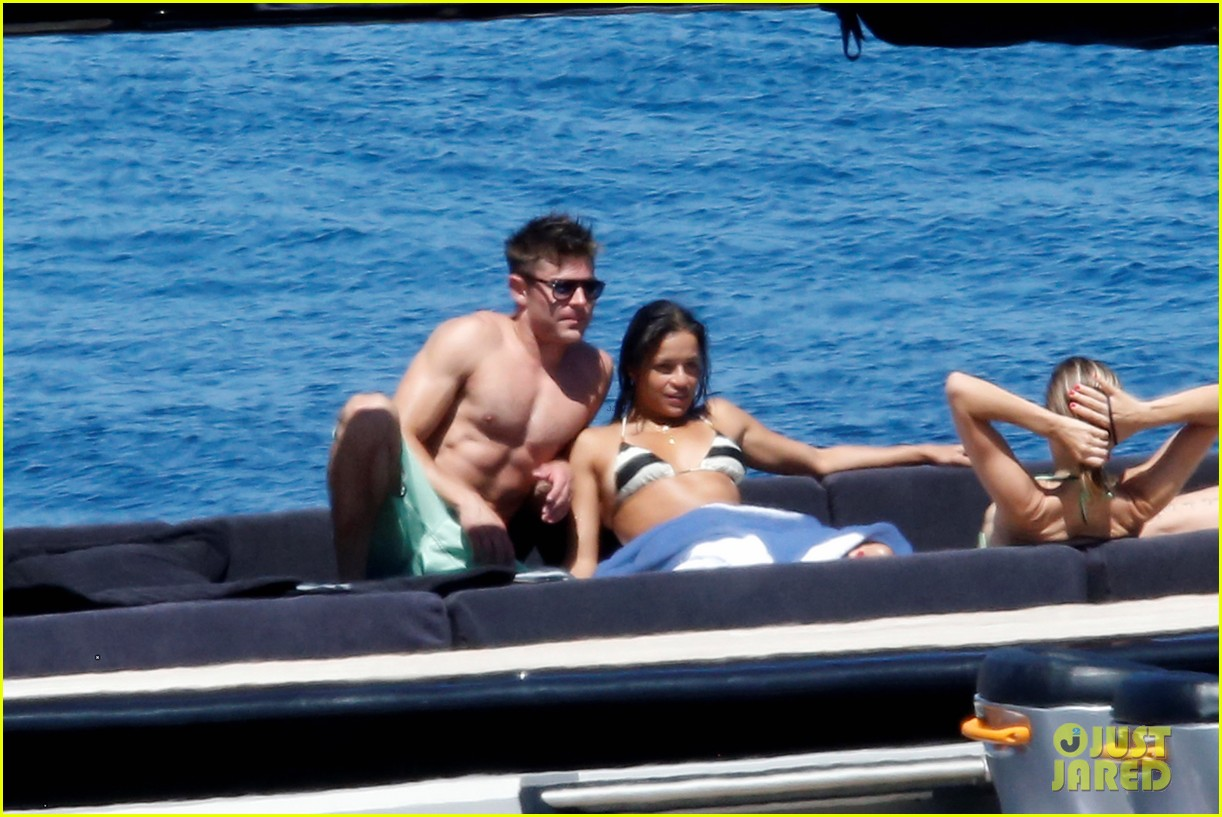 zac efron michelle rodriguez kissing photos 13