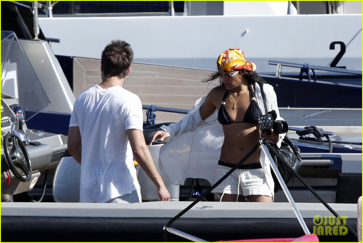 zac efron michelle rodriguez set sail together in porto cervo 033148182