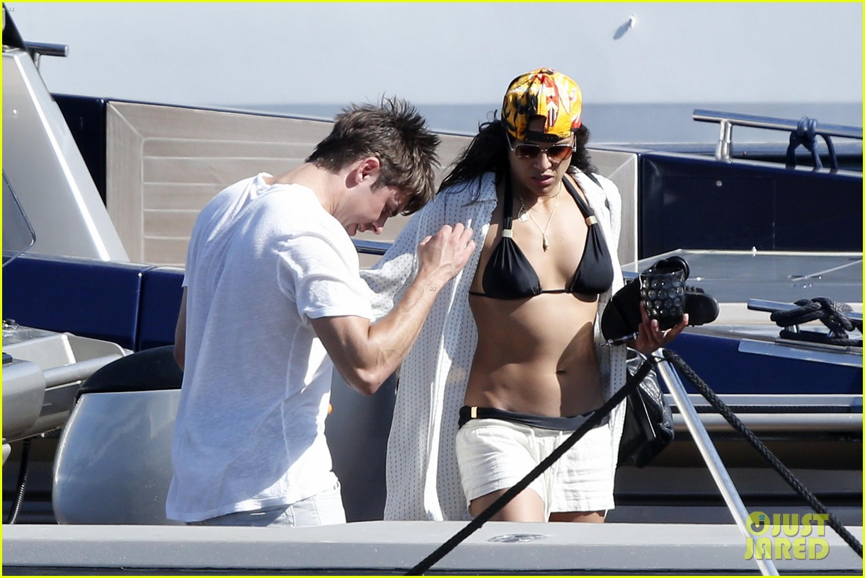 zac efron michelle rodriguez set sail together in porto cervo 073148186